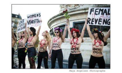 Femen manifestant à République pour lutter contre les violences