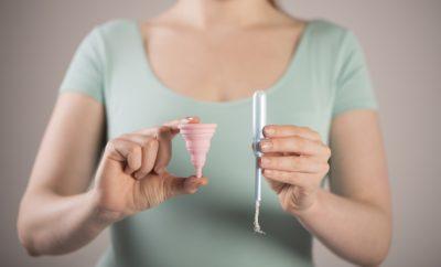 Coupe menstruelle et tampon : le duel